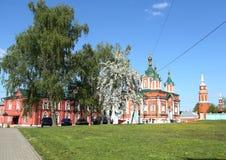 A catedral transversal santamente do monastério, construída em 1852-1855 Monastério de Uspensky Brusensky no Kremlin de Kolomna e fotos de stock