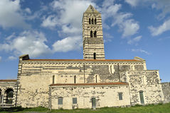 Catedral velha no campo. Imagens de Stock Royalty Free