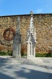 Catedral vieja y nueva del chapitel de Zagreb Imagen de archivo