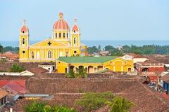 Catedral y lago Nicaragua, Nicaragua de Granada. Imagen de archivo