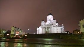 Catedral y monumento a Alejandro II en la tarde, Finlandia de Helsinki almacen de metraje de vídeo