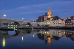 Catedral y puente de Regensburg Fotografía de archivo