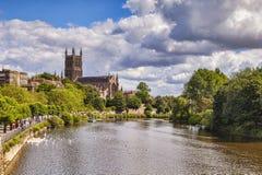 Catedral y río Severn Reino Unido de Worcester imágenes de archivo libres de regalías