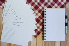 Categorías de la tarjeta de la receta y cuaderno espiral en blanco Foto de archivo libre de regalías