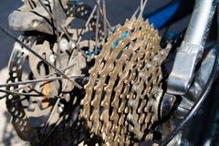 Catena di Bycicle con ruggine immagini stock libere da diritti