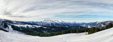 Catena montuosa ad ovest di Dachstein del paesaggio di inverno, Austria Immagine Stock Libera da Diritti