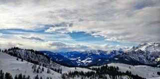 Catena montuosa ad ovest di Dachstein del paesaggio di inverno, Austria Fotografie Stock