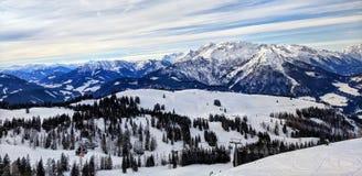 Catena montuosa ad ovest di Dachstein del paesaggio di inverno, Austria Fotografia Stock Libera da Diritti