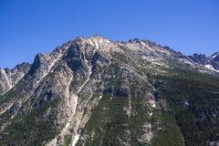 Catena montuosa al parco nazionale del nord delle cascate fotografia stock libera da diritti