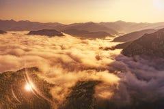 Catena montuosa del Montenegro - antenna Immagini Stock