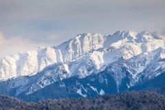 Catena montuosa della neve nel tramonto Fotografia Stock Libera da Diritti