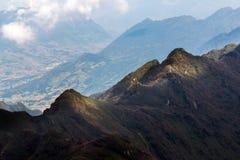Catena montuosa della sommità fansipan dell'più alta montagna dell'Indocina nella provincia di Lao Cai di sapa nordica del Vietna Fotografia Stock