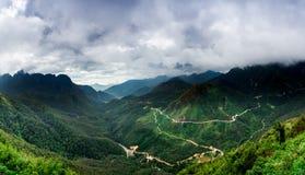 Catena montuosa della sommità fansipan dell'più alta montagna dell'Indocina nella provincia di Lao Cai di sapa nordica del Vietna Immagini Stock