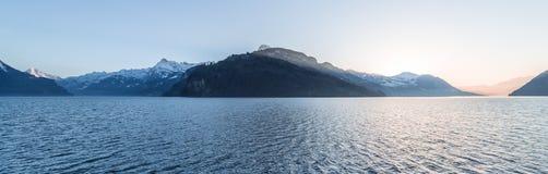 Catena montuosa delle alpi al tramonto Immagine Stock Libera da Diritti