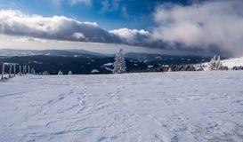 Catena montuosa di Fischbacher Alpen di inverno in Stiria Fotografie Stock