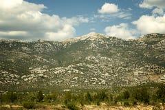 Catena montuosa di Vesebit in Croazia Fotografia Stock