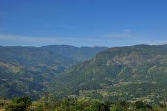 Catena montuosa nella vista del paesaggio con il cielo Immagine Stock Libera da Diritti