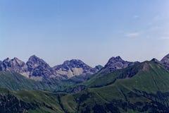 Catena montuosa nelle alpi di Allgäu in Baviera Immagini Stock