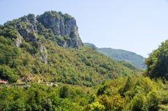 Catena montuosa in a nord-ovest della penisola di Balcani in Serbia Immagini Stock