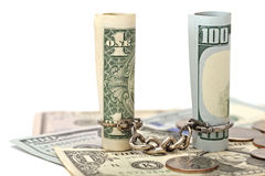 Catena riferita due banconote in dollari Fotografie Stock
