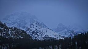 Catene montuose dall'hotel immagini stock libere da diritti