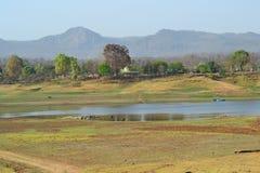 Catene montuose di Satpura e fiume Denwa India Fotografie Stock