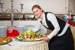 Catering kelnerka lub Zdjęcia Stock