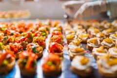Catering specjalność układać dla wydarzenia Fotografia Stock
