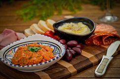 Cateringu półmisek z antipasti i fingerfood Fotografia Stock