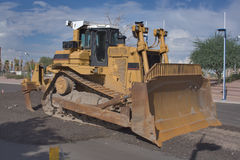 Caterpillar D9R Tractor. Caterpillar D9R with U-blade at Tempe Town Lake after a hard days work cleaning up dry lake Bed Royalty Free Stock Photos