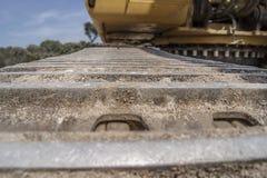 Caterpillar de um escavador Fotos de Stock