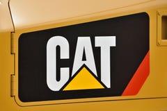 Caterpillar tungt utrustningmedel och logo arkivfoto
