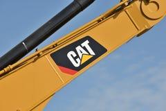 Caterpillar tungt utrustningmedel och logo royaltyfri bild