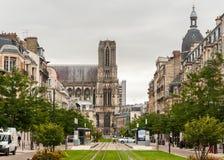 Cathédrale Notre-Dame DE Reims Frankrijk op een bewolkte dag royalty-vrije stock fotografie