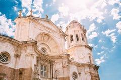 Cathédrale à Cadix, Espagne Jour ensoleillé Photo libre de droits