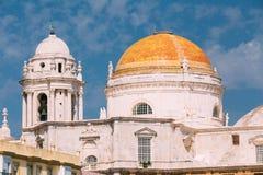 Cathédrale à Cadix, Espagne Jour ensoleillé Photos libres de droits