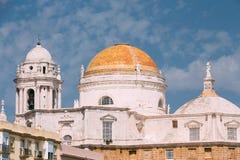 Cathédrale à Cadix, Espagne Jour ensoleillé Photographie stock