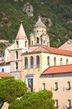 Cathédrale admirablement décorée de St Andrew à Amalfi, Italie Images stock