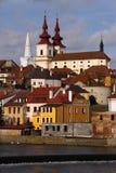 Cathédrale au-dessus du fleuve Photo libre de droits