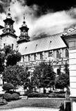 Cathédrale catholique Regard artistique en noir et blanc Photos stock
