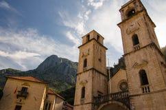 Cathédrale d'église de saint Tryphon dans la vieille ville de Kotor, Monteneg image libre de droits