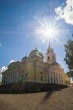 Cathédrale d'épiphanie dans le monastère de Nilov sur le lac Seliger, région de Tver Image libre de droits