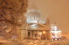 Cathédrale d'Isaac de Saint-Petersburgs Photographie stock