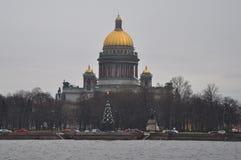 Cathédrale d'Isakiyevsky en hiver St Petersburg, Russie Images libres de droits