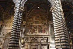 Cathédrale dans l'intérieur de Sienne Photographie stock