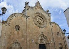 Cathédrale dans Ostuni, Puglia, Italie Images stock