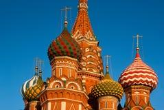 Cathédrale de basilic de St dans le grand dos rouge, Moscou Photographie stock libre de droits