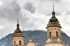 Cathédrale de Bogota avec Monserrate Image libre de droits