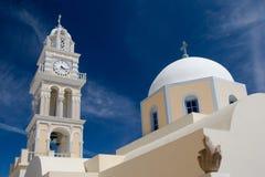 Cathédrale de catholique de Santorini photographie stock libre de droits