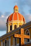 Cathédrale de Grenade au coucher du soleil (Nicaragua) Photographie stock libre de droits